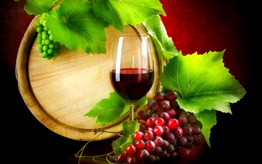 Небольшое количество красного вина полезно для печени