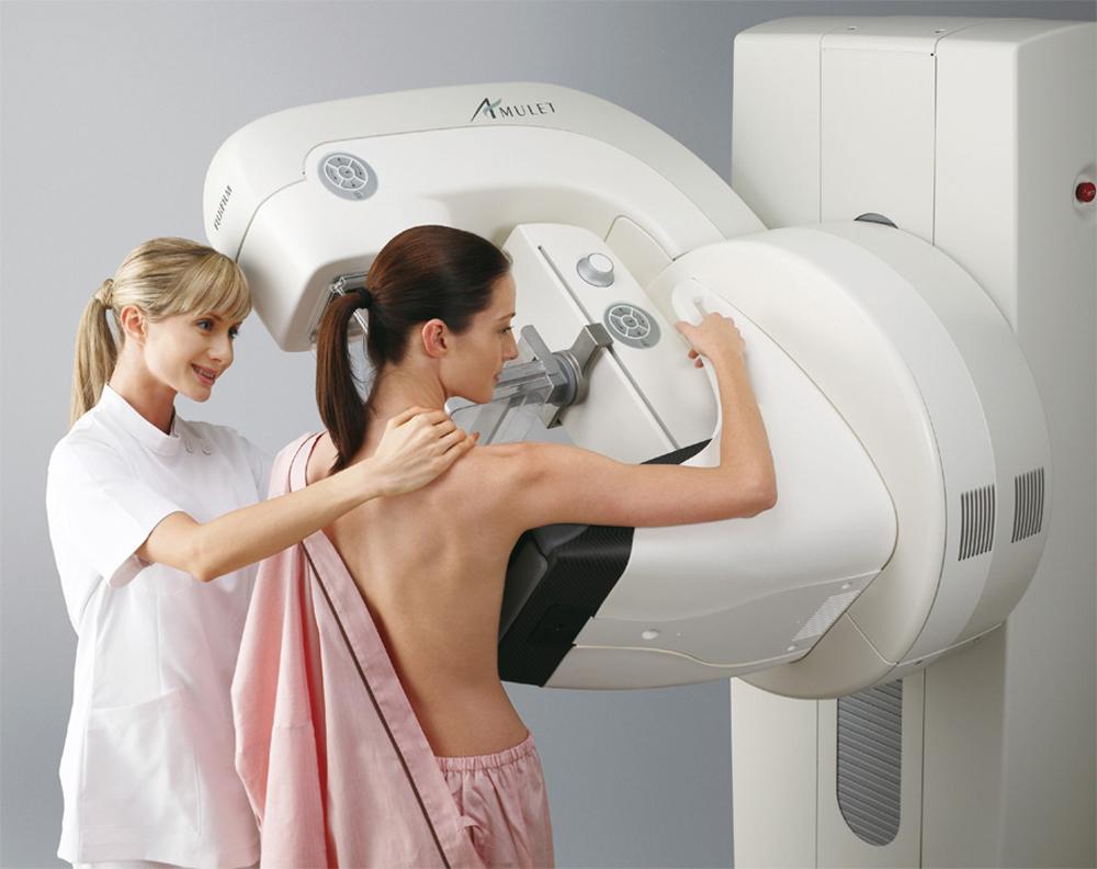 Перед тем, как применять народные методики лечения мастопатии, настоятельно рекомендуется посетить врача