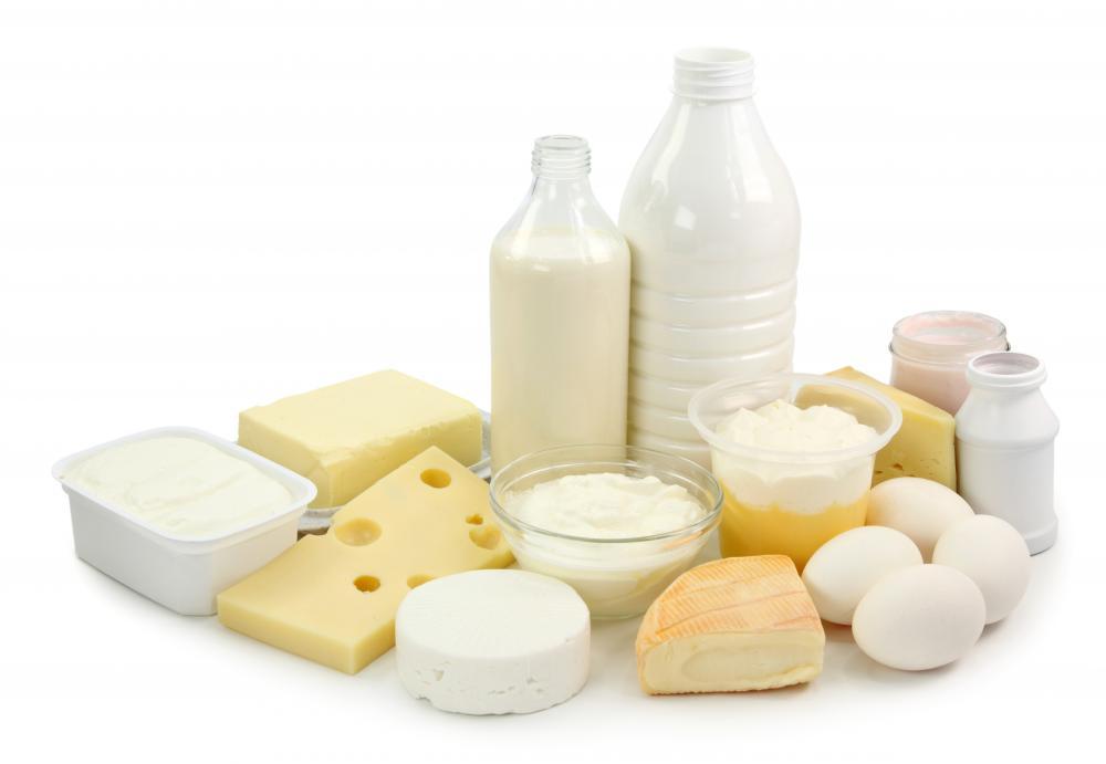 Употребляйте как-можно больше кисломолочных продуктов, чтобы восполнить дефицит кальция в организме