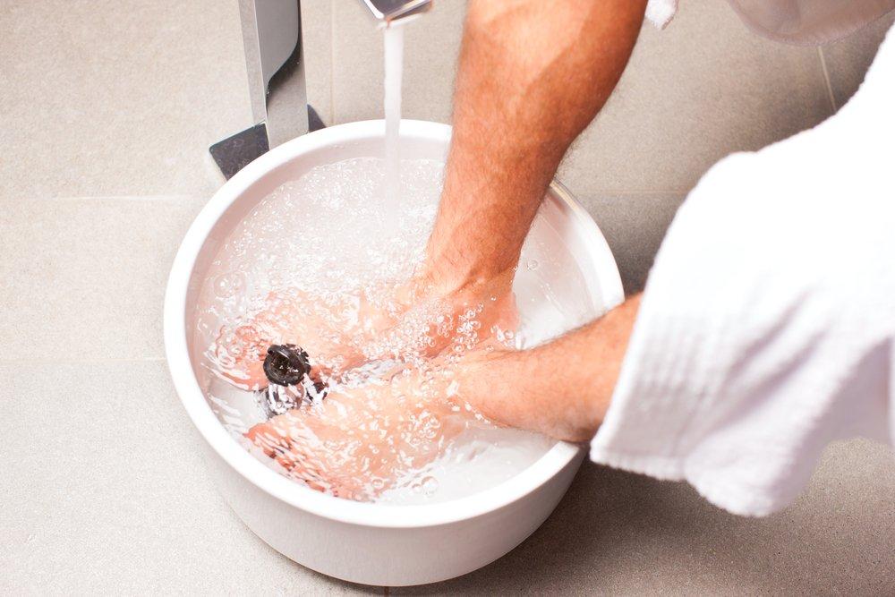 Симптомы и лечение дрожжевого грибка на ногтях